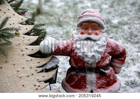 Santa Claus / Beautiful Christmas and New Years scene