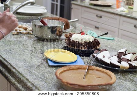Thanksgiving Potluck Pies And Desserts