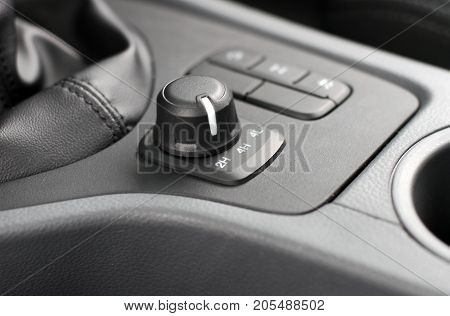 4wd and 2wd selector switch in off road car