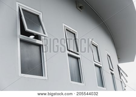 office row windows open for inside building air flow modern home office aluminium push windows.