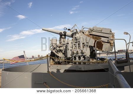 Wwii U. S. Navy Armed Guard Gun Mounted On Liberty Ship