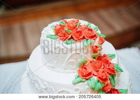 A Traditional And Decorative Wedding Cake