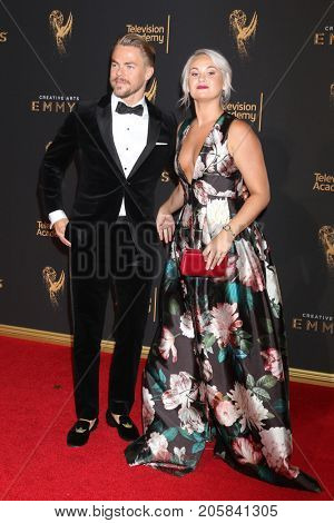 LOS ANGELES - SEP 9:  Derek Hough, Kelsey McCowan at the 2017 Creative Emmy Awards at the Microsoft Theater on September 9, 2017 in Los Angeles, CA