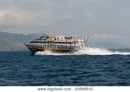 Hydrofoil ships