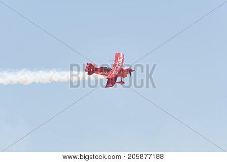 Sean D. Tucker - Oracle Challenger Performing At The Miramar Air Show