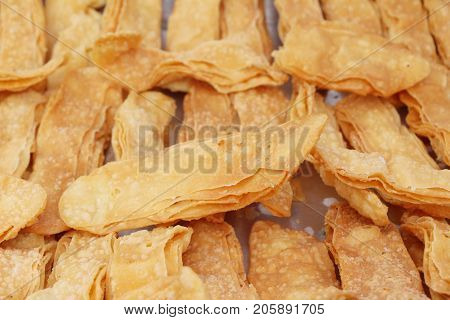 Crispy roti is delicious at street food