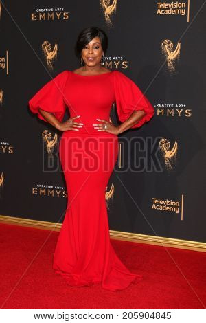 LOS ANGELES - SEP 10:  Niecy Nash at the 2017 Creative Arts Emmy Awards - Arrivals at the Microsoft Theater on September 10, 2017 in Los Angeles, CA