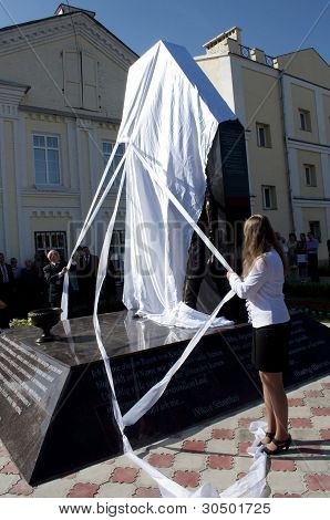 Opening of the monument.