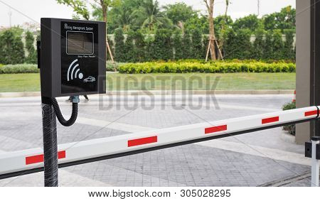 Wireless Parking Management System Machine And Automatic Gate Barrier, Village Entrance Access Secur