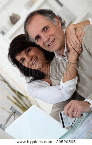 Married couple shopping online