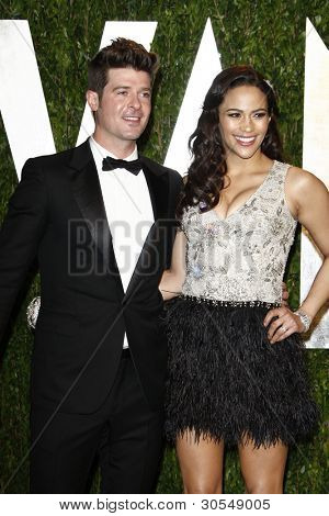 LOS ANGELES - FEB 26:  Robin Thicke; Paula Patton arrive at the 2012 Vanity Fair Oscar Party  at the Sunset Tower on February 26, 2012 in West Hollywood, CA