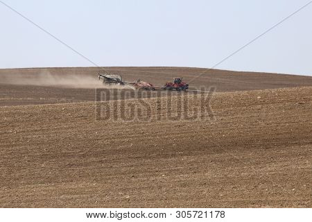 Seeding In Saskatchewan Drought Conditions Agriculture Canada