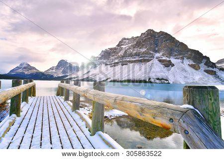 Bow Lake , Rocky Mountains, Banff, Alberta, Canada