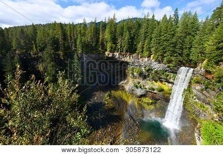 Brandywine Falls Provincial Park In British Columbia,canada