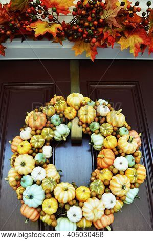 Pumpkin Fall Autumn Wreath Red Door Gourd  Background