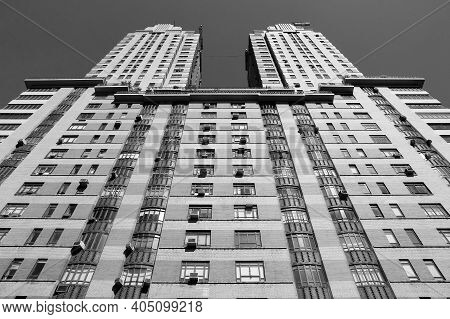 New York, Usa - July 6, 2013: Architecture View Of The Century Apartment Building In New York. The A