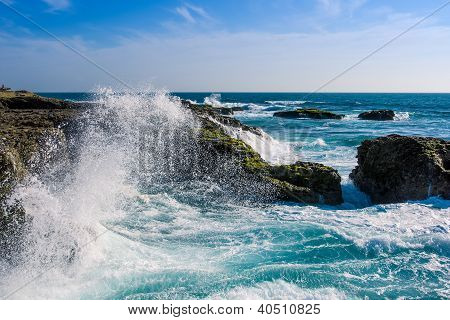 Crashing Waves at Chocolatera