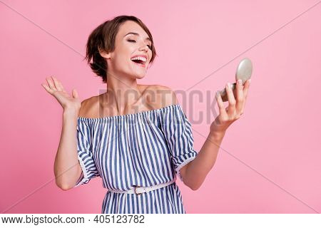 Photo Portrait Of Pretty Girl Looking At Mirror Smiling Laughing Wearing Casual Striped Outfit Isola