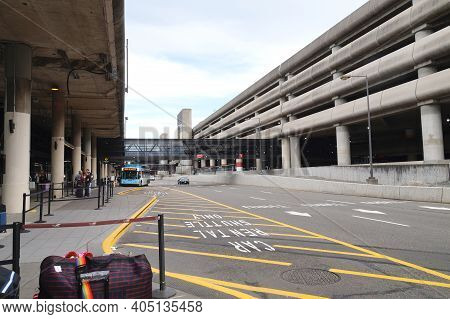 The Largest Airport In The Pacific Northwest Region Of North America. Seattle-tacoma International A