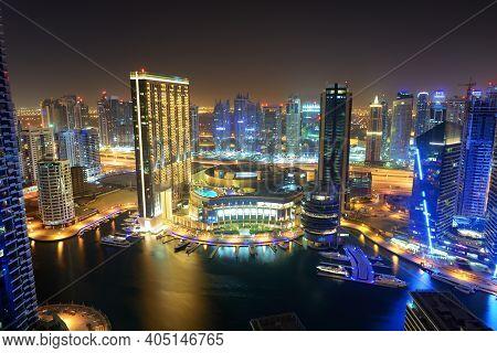 Dubai, Uae - September 8: The Night Illumination Of Dubai Marina On September 8, 2013 In Dubai, Uae.