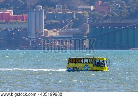 Portugal, Lisbon, October 08, 2018: City Tour Experience On The Tagus River, In The Civil Parish Of