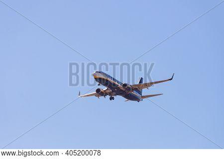 Portugal, Lisbon, October 09, 2018: Ryanair Boeing 737-800 Flight Against A Blue Sky.