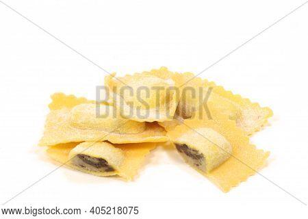 Stuffed Pasta Tortelli With Porcini Mushrooms Stuffed Pasta Tortelli With Porcini Mushrooms