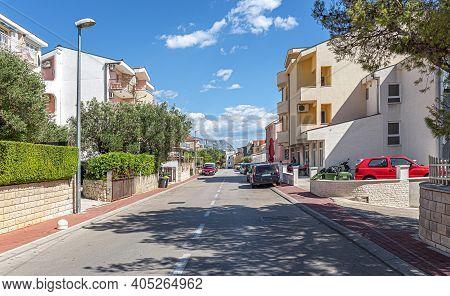 Makarska Riviera, Croatia - 3 July, 2017: Streets Of The Resort Town Of Makarska. Makarska, One Of T