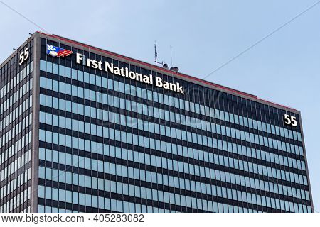 Cleveland, Ohio, Usa - September 22, 2019: First National Bank Of Pennsylvania Signage On 55 Public