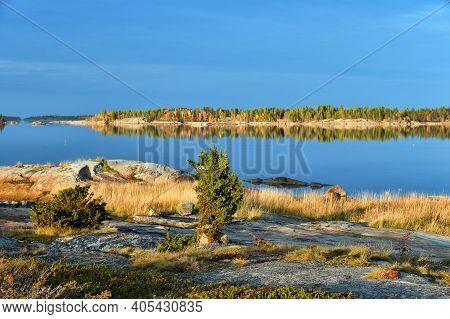 Beautiful Landscape Of The White Sea At Sunrise. Onega Gulf, Karelia, Russia. The Littoral Zone At H