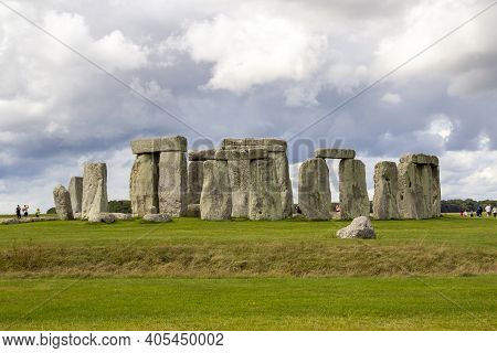 Stonehenge, Wiltshire, Uk, August 24 2020. Stonehenge A Ring Of Standing Stones, Is A Prehistoric Mo