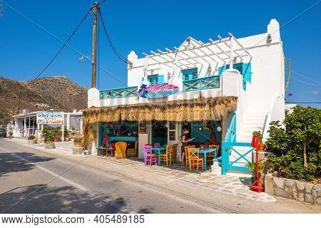 Ios, Greece - September 22, 2020: The Beach Bar And Restaurant Next To The Gialos Beach On The Islan