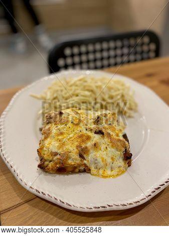Homemade Cauliflower Gratin With Bechamel Sauce And Turkish Noodle Pasta.