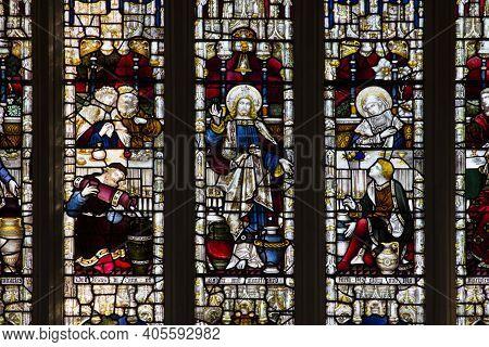 Bath, Uk - April 10, 2019. Interior Of Bath Abbey An Anglican Parish Church And Former Benedictine M