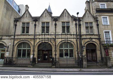 Bath, Uk - April 10, 2019. Historic Architecture Of Bookshop, Bath. Bath, England, Uk, April 10, 201