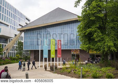 Kensington, Uk - May 20, 2019. Design Museum Of Kensington, Which Covers Product, Industrial, Graphi
