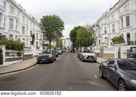 Kensington, Uk - May 20, 2019. Old Architecture Of Kensington. Kensington, London, England, Uk, May