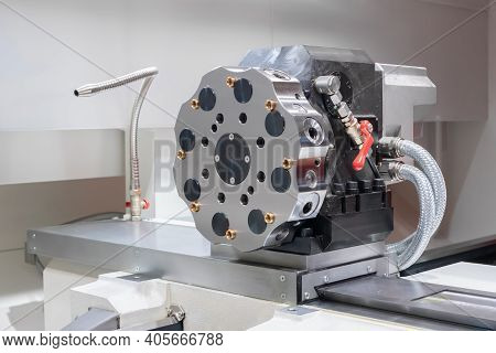 Electro Mechanical Bidirectional Turret Tool Head Of Cnc Turning Milling Lathe Machine At Factory, P