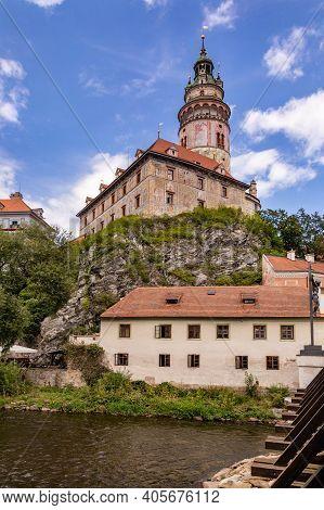 Castle Cesky Krumlov And Vltava River, Czech Republic