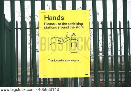 Hand Sanitiser Dispenser Sign For Customer Use To Wash Hands