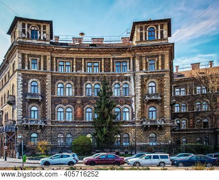 Budapest, Hungary, March 2020, View Of One Of The Building At Kodály Körönd Square Forming A Full Ci