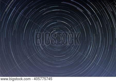 Star Trails In A Night Sky, Long Exposure Style Realistic Circular Star Arcs Pattern, Star Motion Du