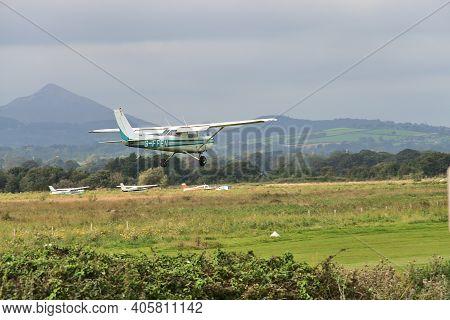 Co. Dublin, Ireland - September 20, 2020: Aircraft G-ffen Landing In Newcastle Aerodrome, Leamore Up