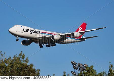 Vienna, Austria - July 7, 2018: Cargolux Boeing 747-8 Lx-vce Cargo Plane Arrival And Landing At Vien