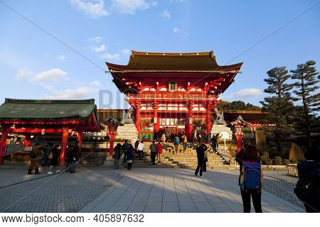 Kyoto Japan - Dec 5, 2015: Unidentified People Visit Fushimi Inari Shrine On Dec 5,2015. Fushimi Ina