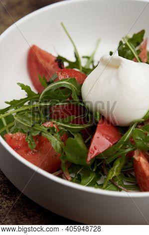 Mozzarella Burrata Salad With Shrimp, Arugula Leaves