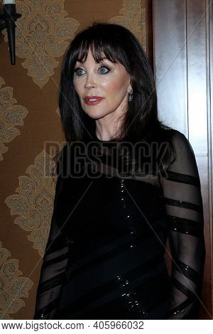 BEVERLY HILLS - NOV 11: Dr. Sharon McQuillan at AMT's 2017 D.R.E.A.M. Gala benefiting Autism Works Now at Montage Beverly Hills on November 11, 2017 in Beverly Hills, California
