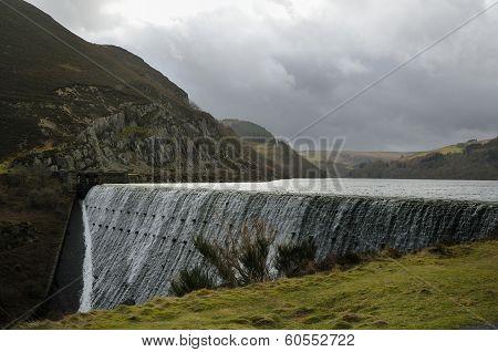 Caban-coch Dam