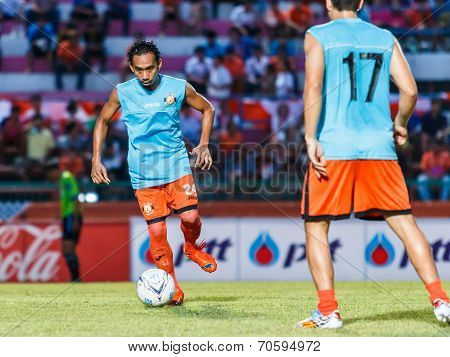 Sisaket Thailand-august 13: Somsak Wongyai Of Sisaket Fc. In Action During A Training Ahead Thai Pre