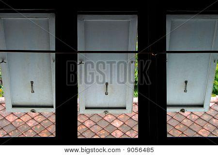 Thai Old Style Windows